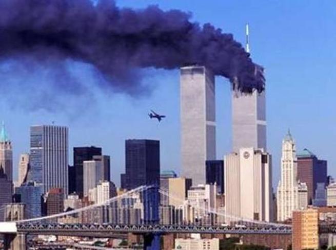 Terroristi 2001 FECERO MIGLIAI DI MORTI, ALLE TORRI GEMELLE